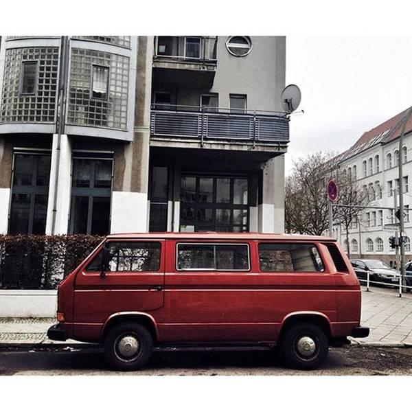Vw Bus Wall Art - Photograph - Volkswagen T3 Bus  #berlin #neukölln by Berlinspotting BrlnSpttng