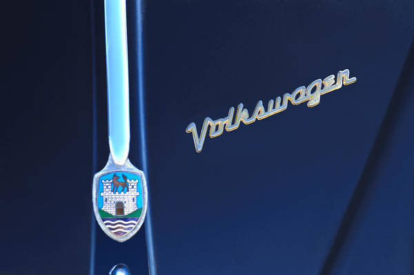 Vw Bug Photograph - Volkswagen Vw Bug Hood Emblem by Jill Reger