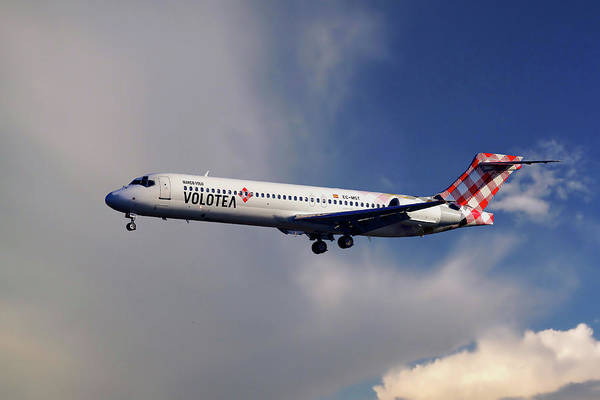 Boeing Wall Art - Photograph - Volotea Boeing 717-23s by Smart Aviation