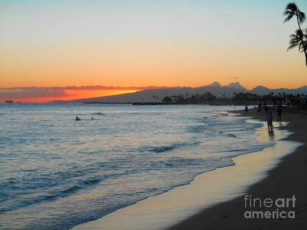 Photograph - Waikiki Hawaii Beach by Christopher Shellhammer
