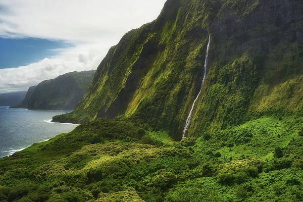Photograph - Waimanu Waterfall by Christopher Johnson