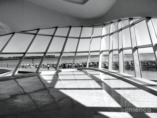 Milwaukee Art Museum Photograph - Walk Along The Lake by David Bearden