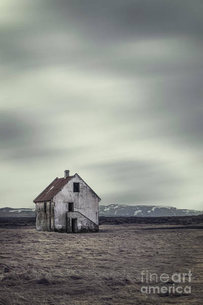 Abandoned House Photograph - Walls Of Desolation by Evelina Kremsdorf