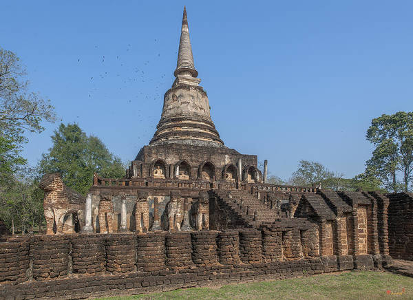 Photograph - Wat Chang Lom Main Chedi Dthst0126 by Gerry Gantt