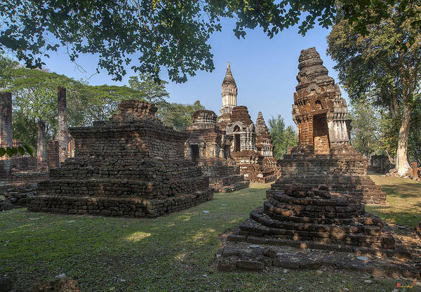 Photograph - Wat Chedi Ched Thaeo Dthst0129 by Gerry Gantt