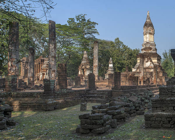 Photograph - Wat Chedi Ched Thaeo Main Wihan And Main Chedi Dthst0130 by Gerry Gantt