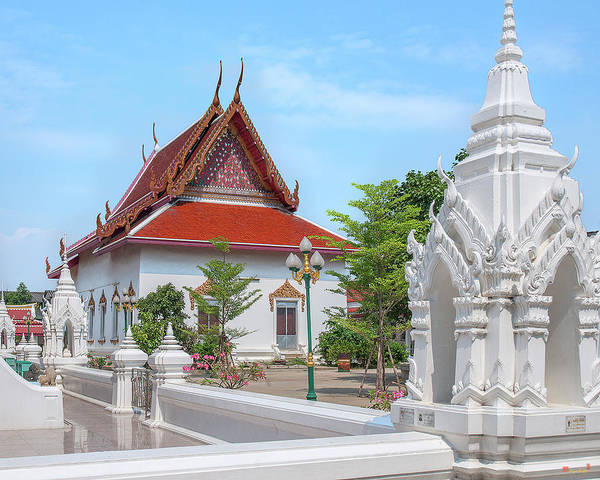 Photograph - Wat Intharam Hall Dthb2095 by Gerry Gantt