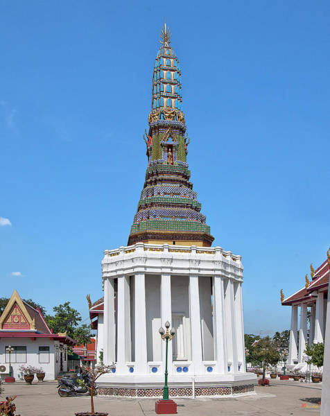 Photograph - Wat Intharam Phra Prang West Dthb0905 by Gerry Gantt