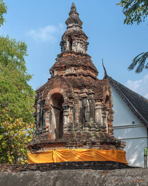 Chang Mai Wall Art - Photograph - Wat Jed Yod Phra Chedi Containing Image Of Buddha Dthcm0911 by Gerry Gantt