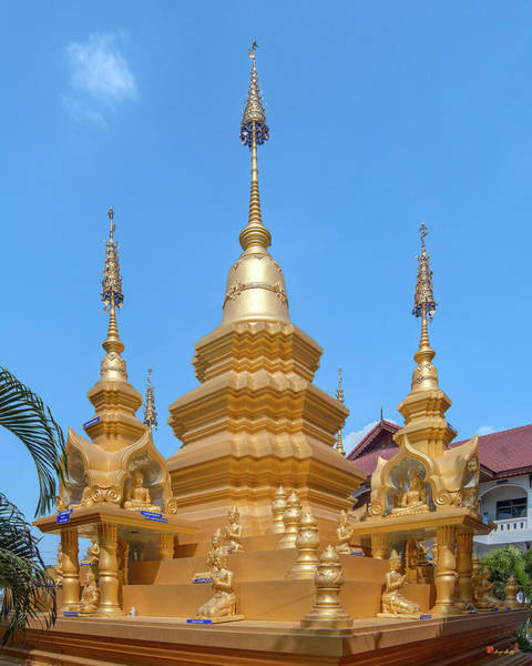 Photograph - Wat Mae San Ban Luk Phra That Chedi Pinnacle Dthlu0200 by Gerry Gantt