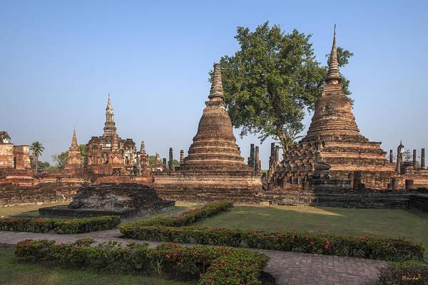 Photograph - Wat Mahathat Chedi Dthst0014 by Gerry Gantt