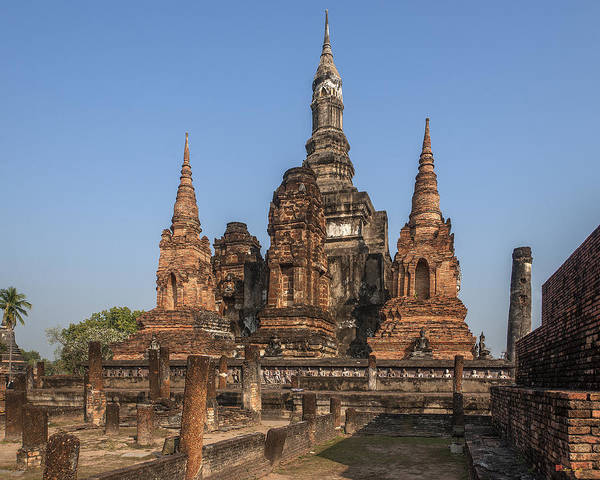 Photograph - Wat Mahathat Chedi Prathan Or Phra Mahathat Chedi Dthst0030 by Gerry Gantt