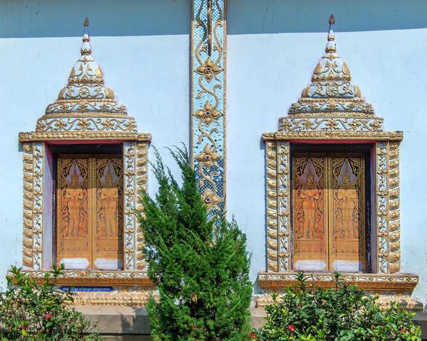 Photograph - Wat Nam Lom Phra Wihan Windows Dthla0090 by Gerry Gantt