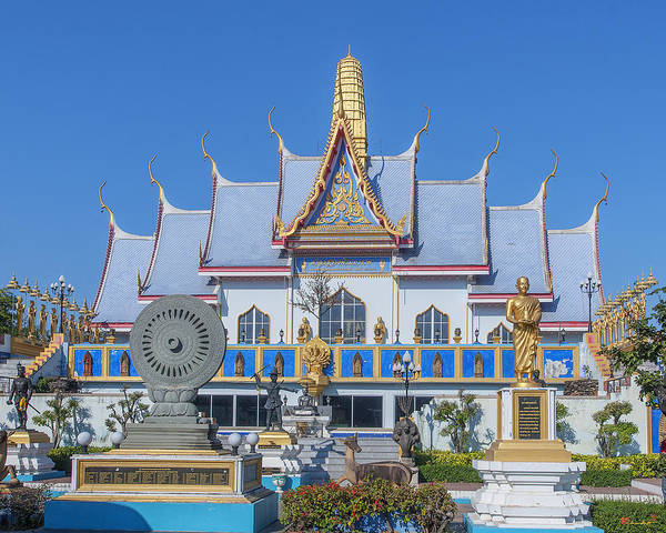 Photograph - Wat Sawangfa Pruetaram Blue Great Hall Dthcb0124 by Gerry Gantt