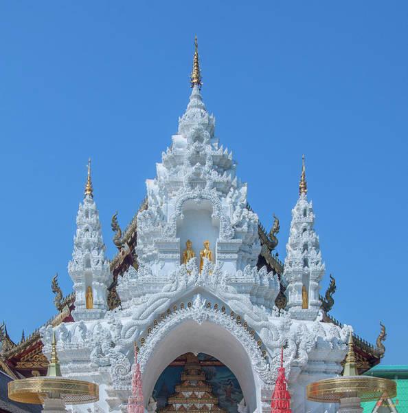 Photograph - Wat Sun Pa Yang Luang Wihan Luang Gate Dthlu0316 by Gerry Gantt