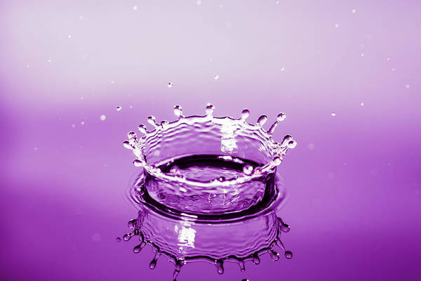 Water Drop Crown Art Print