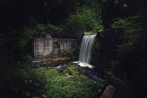 Dam Wall Art - Photograph - Waterfall At Paradise Springs by Scott Norris