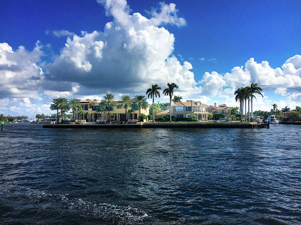 Wall Art - Photograph - Waterfront Homes In Fort Lauderdale, Florida. by Art Spectrum
