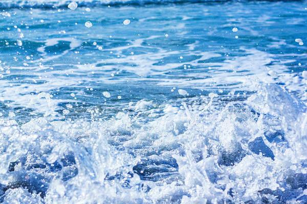Photograph - Wave 3 by Randy Bayne