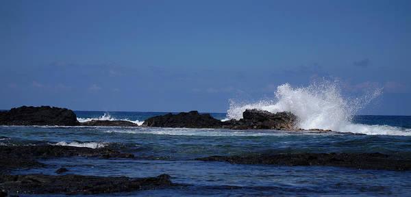 Waves Crashing Art Print