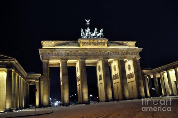 Photograph - Magic Berlin Sound by Silva Wischeropp