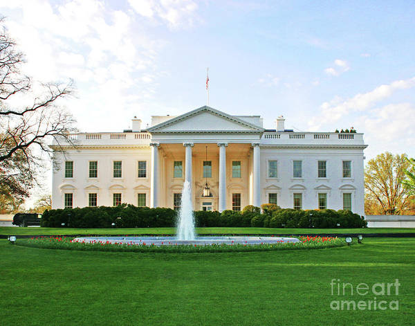 Photograph - White House by Larry Oskin