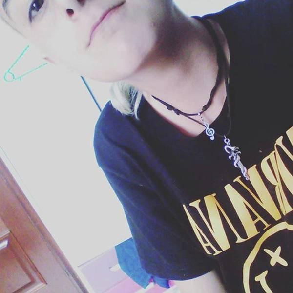 Tanto Photograph - White Power. Nirvana Percha Collares by Mientras Tanto Sonrrie