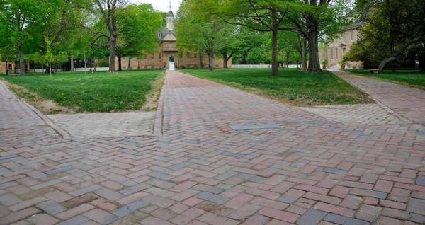 William And Mary Photograph - William And Mary 2 by Todd Hostetter