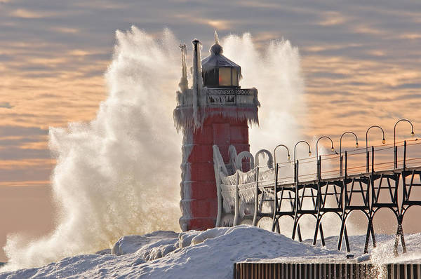 Crashing Waves Photograph - Winter South Haven Lighthouse by Dean Pennala