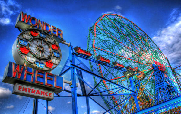 Wall Art - Photograph - Wonder Wheel by Bryan Hochman