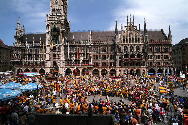 Glockenspiel Photograph - World Party by Kevin Smith
