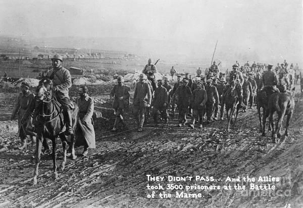Wall Art - Photograph - World War I: German Pows by Granger