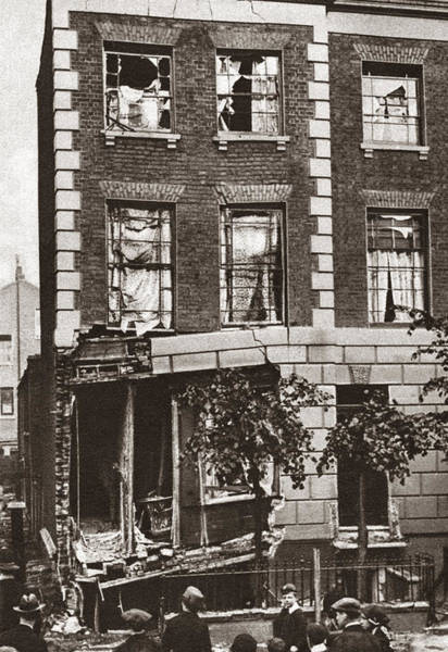 Wall Art - Photograph - World War I: House Bombed by Granger