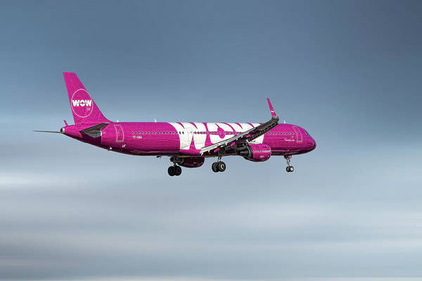 Aircraft Mixed Media - Wow Air Airbus A321-211 by Smart Aviation