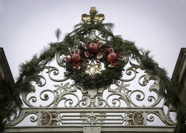 Royal Colony Photograph - Wreath And Garland by Teresa Mucha