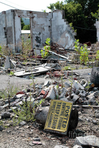 Wall Art - Photograph - Wrecked Building And No Trespassing Sign by William Kuta