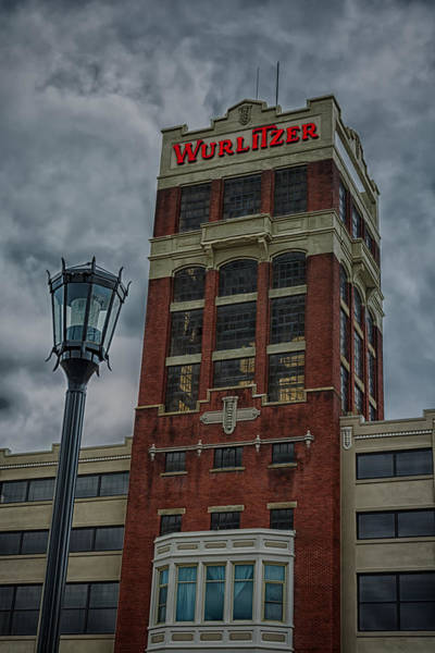 Photograph - Wurlitzer 7454 by Guy Whiteley