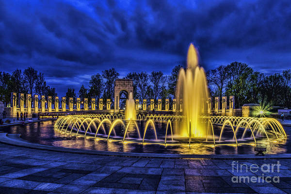 Photograph - Wwii Memorial At Night by Nick Zelinsky