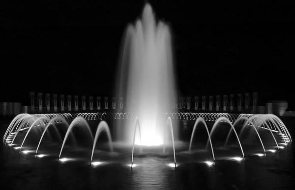 Wall Art - Photograph - Wwii Memorial Fountain 1 by Paul Basile