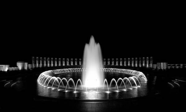 Wall Art - Photograph - Wwii Memorial Fountain 2 by Paul Basile