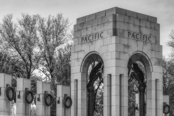 Photograph - Wwii Paciific Memorial Bw by Susan Candelario