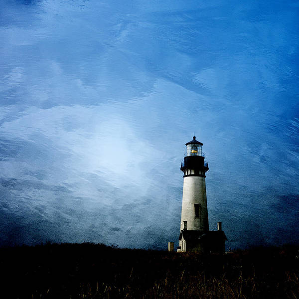 Wall Art - Photograph - Yaquina Head Lighthouse by Carol Leigh