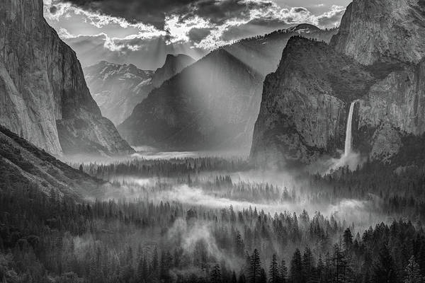 Sullivan County Photograph - Yosemite Morning Sun Rays by Jeff Sullivan