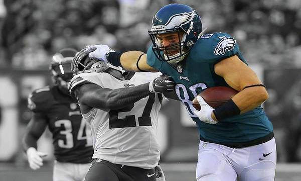 Photograph - Zach Ertz Eagles Super Bowl by Movie Poster Prints