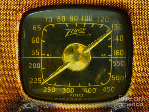 Wall Art - Photograph - Zenith Radio Dial by Paul Ward