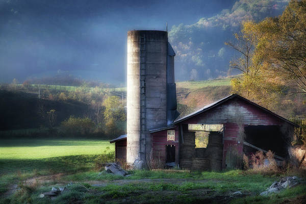 Photograph - Barn In Autumn Smoky Mountains by David Chasey