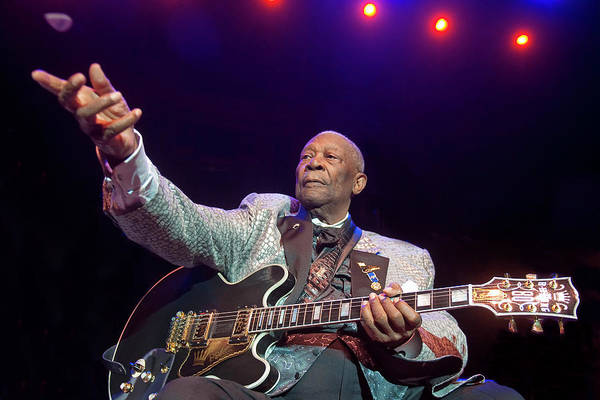 B B King Wall Art - Photograph - Bb King Performs At Royal Albert Hall by Neil Lupin
