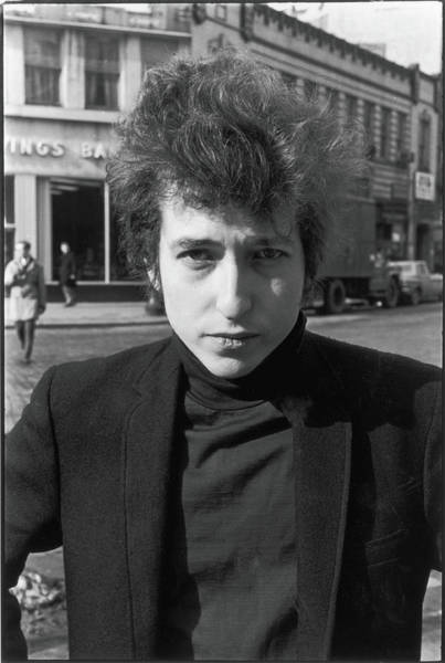 Photograph - Bob Dylan In Sheridan Square Park by Fred W. McDarrah