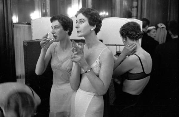 Fashion Model Photograph - Champagne Break by Kurt Hutton