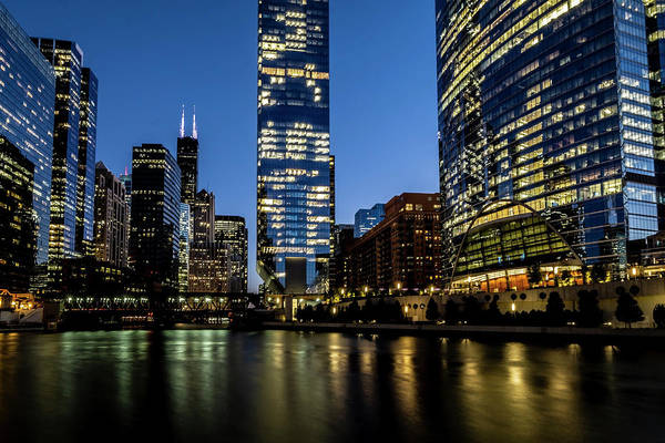 Photograph - Chicago River Dusk Scene by Sven Brogren